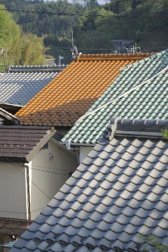 屋根塗装が劣化しやすい理由
